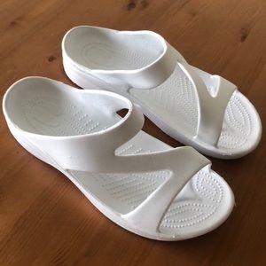 HOUNDS Women's White Foam Summer Sandals Sz 9/10